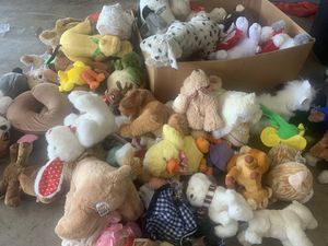 HUGE STUFFED ANIMAL LOT for Sale in Orange, CA