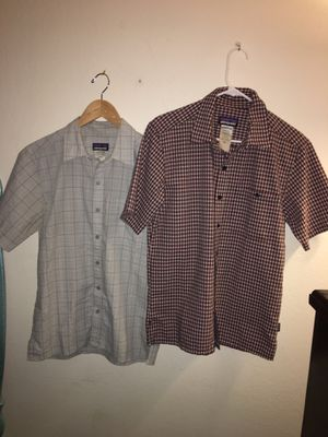 2 Men's Patagonia Puckerwear Short Sleeve Button Up Shirts size Small for Sale in Oakland, CA