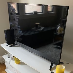 "40"" TV with remote (perfect condition) for Sale in Arlington, VA"