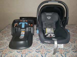 Uppababy car seat & base 2017 for Sale in Long Beach, CA