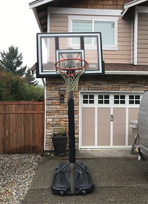 Lifetime. World Class Basketball hoop. for Sale in WA, US