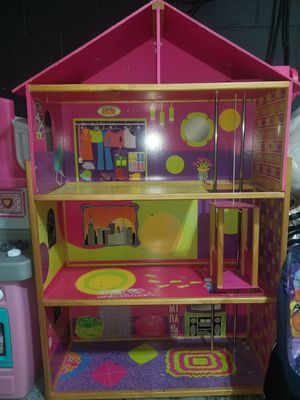 Barbie house for Sale in Minneapolis, MN