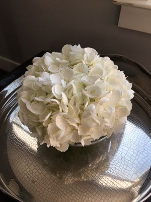 Silk flower arrangement for Sale in Vienna, VA
