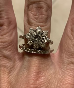 New 2 piece CZ 2 kt silver wedding ring size 9 for Sale in Inverness, IL