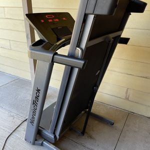 Nordictrack A2550 Treadmill for Sale in Riverside, CA