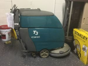 T3 Self propelling floor scrubber 20 inch for Sale in Columbus, OH