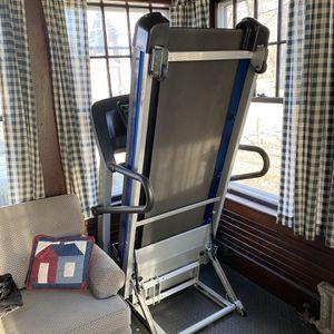 Life Fitness F1 Treadmill for Sale in Tewksbury, MA