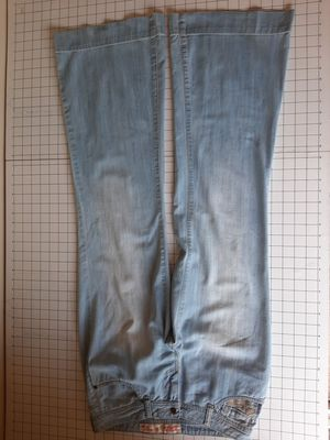 MOSSIMO JEANS JUNIOR SIZE 9 for Sale in Pompano Beach, FL