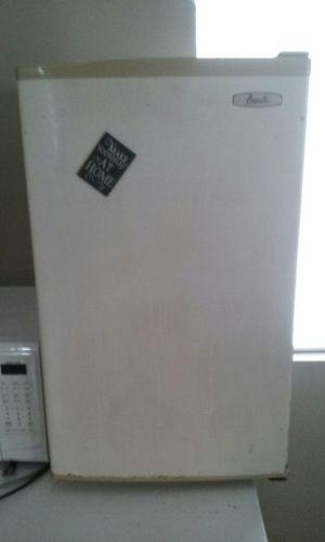 Large mini fridge for Sale in Columbus, OH