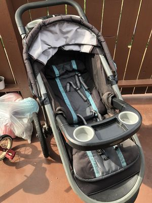 Graco click connect jogger stroller for Sale in Tustin, CA