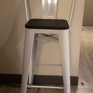 2 Metal Bar Stools for Sale in Berwyn, IL