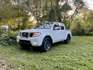 2017 Nissan Frontier PRO-4X Manual Transmission for Sale in Gainesville, FL
