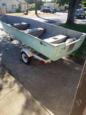 Mirro Craft 14foot aluminum fishing boat. for Sale in Sacramento, CA