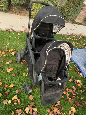 Graco double stroller for Sale in Pumpkin Center, CA