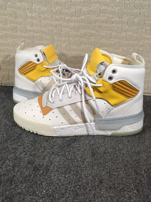 Rare Men's adidas Rivalry Rm Cloud White Crystal White Core White for Sale in Kissimmee, FL