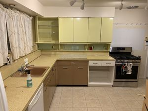 General Electric Original Kitchen Cabinets for Sale in Cherry Hill, NJ