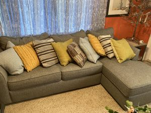 Couch w/chaise for Sale in Fort Lauderdale, FL