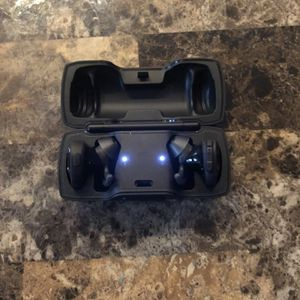 Bose SoundSport Wireless Earbuds for Sale in Haysville, KS