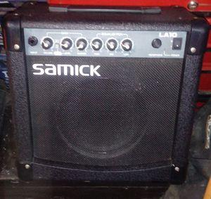 SAMICK AMPLIFIER LA10 for Sale in Brunswick, OH