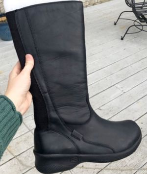 KEEN Bern Baby Bern 9 Tall black leather wide calf boots— NEW!!! for Sale in Chesapeake, VA
