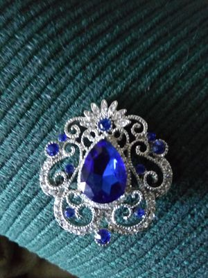Gorgeous Brooch never used for Sale in Fresno, CA