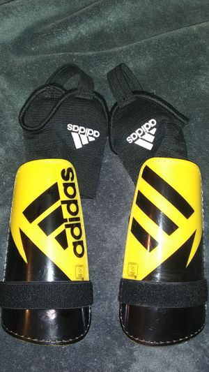 Adidas certified Soccer Shin Guards for Sale in Canton, OH