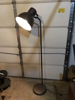 6' standing lamp for Sale in Bowie, MD