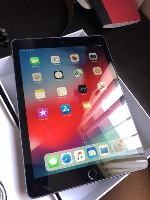 iPad 6th Gen - WiFi Perfect Condition. for Sale in Miami, FL
