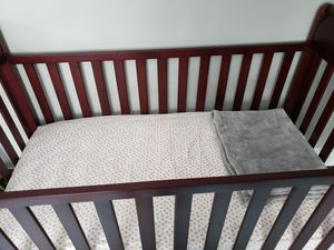 Graco crib with mattress for Sale in Streamwood, IL