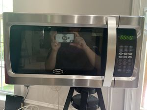 Microwave Oster good condition negotiable for Sale in Dulles, VA