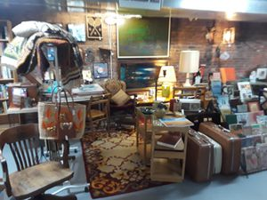 Mid-century Modern, vintage, retro & antique house wares furniture lamps, art for Sale in Cleveland, OH