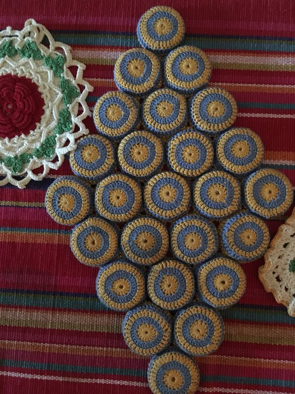 Three Piece Vintage Crocheted Set Bottle Cap Trivet And Hot Pads