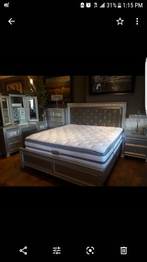 King bedroom set for Sale in Tracy, CA