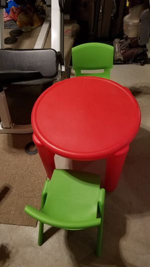 Little tikes table and two chairs for Sale in Arnold, MO