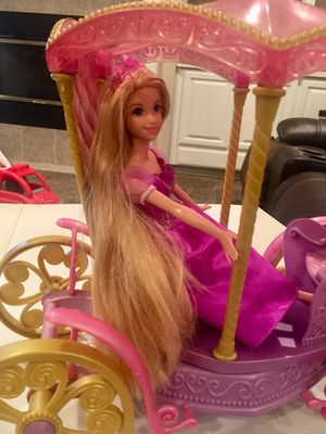 DISNEY MUSICAL PRINCESS CARRIAGE - SPINS AS MUSIC PLAYS - INCLUDES DOLL for Sale in Modesto, CA