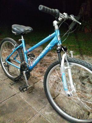 Diamondback Sorrento. Ladies hybrid bike for Sale in Palm Harbor, FL