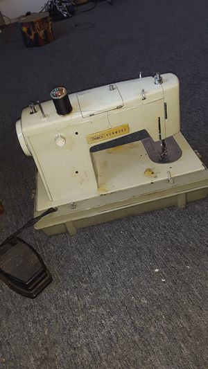 Vintage Sears Kenmore sowing machine for Sale in Indianapolis, IN