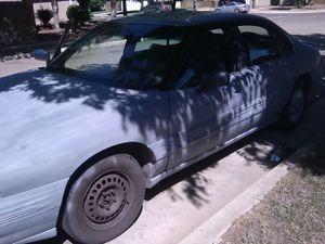 96 Pontiac Bonneville SE for Sale in Tulare, CA