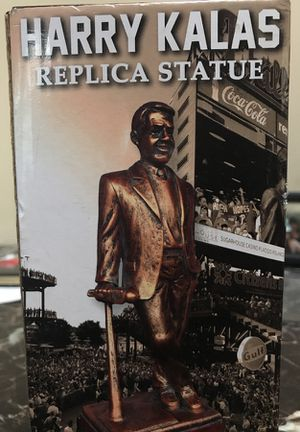 Harry Kalas Replica Statue / Phillies Collectables for Sale in Philadelphia, PA