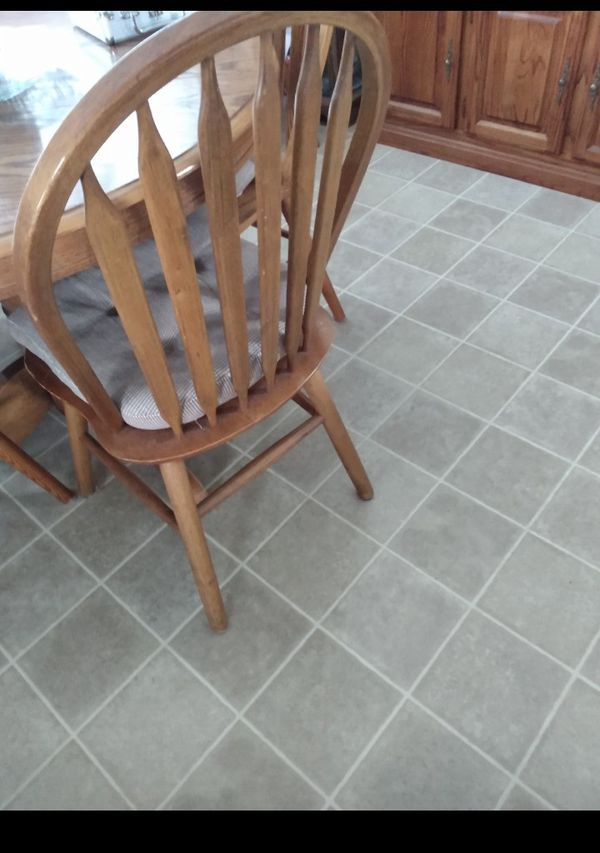 Table And 2 Chairs For Sale In Seattle Wa Offerup