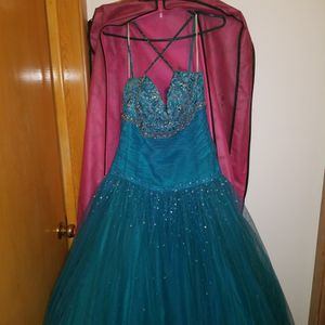 Prom Dress for Sale in Cleveland, OH