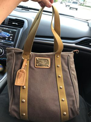 Louis Vuitton tote bag for Sale in Houston, TX