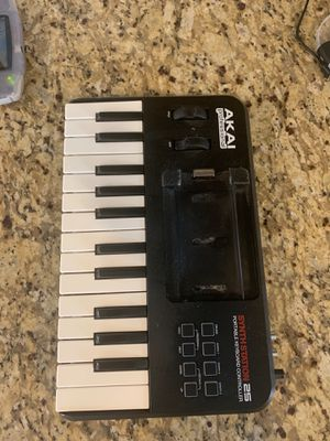 Akai professional synth station 25 for Sale in Minneapolis, MN