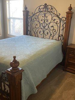 Queen Suite Bedroom Set for Sale in Buford,  GA