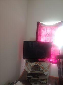 42 inch flat screen for Sale in Gladstone,  VA