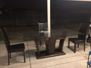 Dining Table for Sale in Sanger, CA