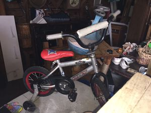 Toddler bike with training wheels for Sale in Corpus Christi, TX