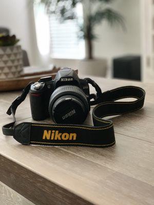 Nikon D3100 Digital DSLR Camera with 18-55mm lens for Sale in Fort Myers, FL