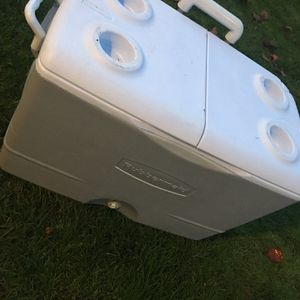 Cooler for Sale in Vancouver, WA