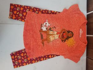 Moana set size 2t for Sale in Los Angeles, CA
